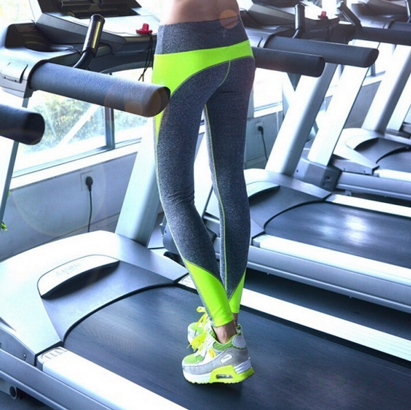 яркие легинсы для фитнеса