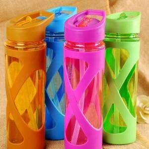 пластмассовая бутылка для спорта